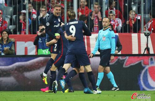 欧冠-穆勒失点拜仁总分2-2马竞 客场进球少出局