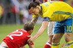 [高清组图]热身赛-伊布献助攻 瑞典3-0威尔士