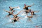 [高清组图]日本花样游泳运动员进行热身训练