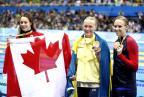 [高清组图]女子100米蝶泳颁奖仪式 瑞典选手摘金