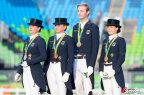 [高清组图]马术盛装舞步团体赛德国队夺得金牌