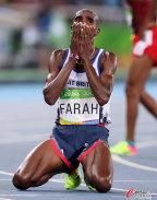 [高清组图]男子万米决赛 名将法拉赫摔倒仍卫冕