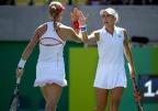 [高清组图]奥运网球女双俄罗斯夺冠 辛吉斯摘银