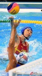 [高清组图]女子水球1/4决赛 中国7:12负意大利
