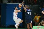 [高清组图]男篮西班牙92-67大胜法国晋级四强
