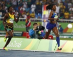 [高清组图]女子4x400米-美国队摘金 牙买加摘银