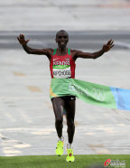 [高清组图]肯尼亚选手斩获男子马拉松金牌