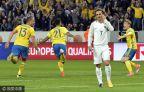 [高清组图]世预赛-门神失误 法国1-2遭绝杀降第二