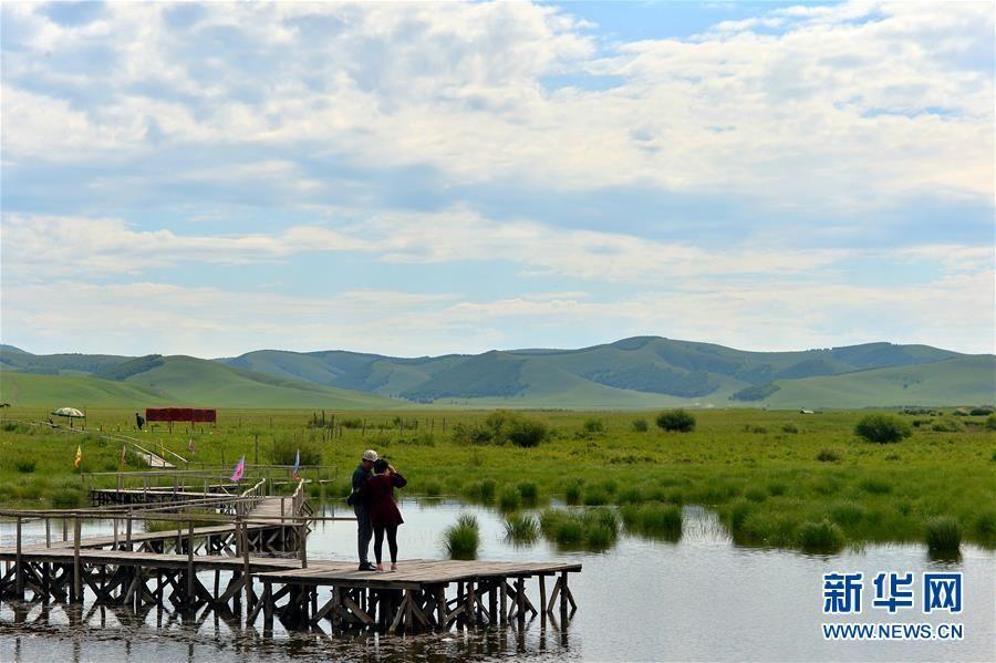 由于拥有独特,秀美的生态旅游资源,塞罕坝已成为著名的生态旅游景区
