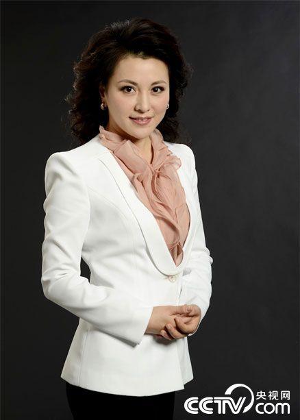 中文国际主持_央视中文国际频道主持人梦桐高清写真