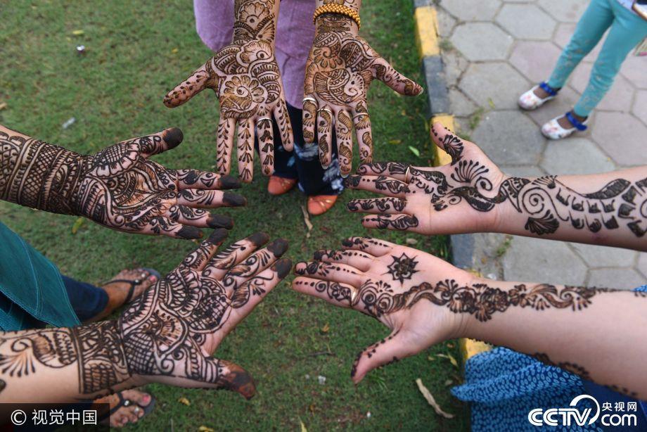 Mehndi Army : Karva chauth trendy mehndi designs for beautiful hands cctv