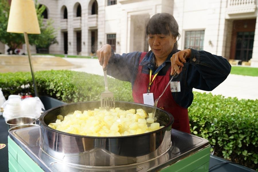 Street food culture explored in Tianjin - CCTV News - CCTV