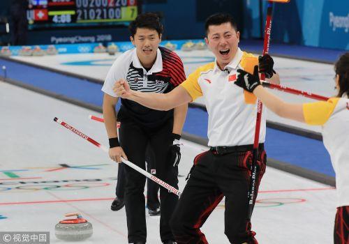 [高清组图]壶混双第二轮 中国险胜韩国迎首胜!