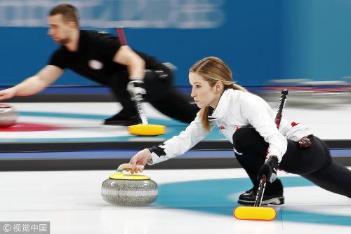 [高清组图]冰壶混双第三轮 中国队4-10负加拿大队