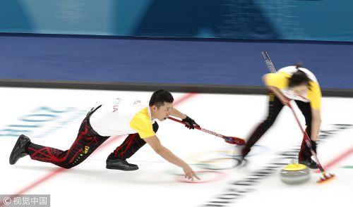 [高清组图]冰壶混双中国胜芬兰 两连胜保四强希望