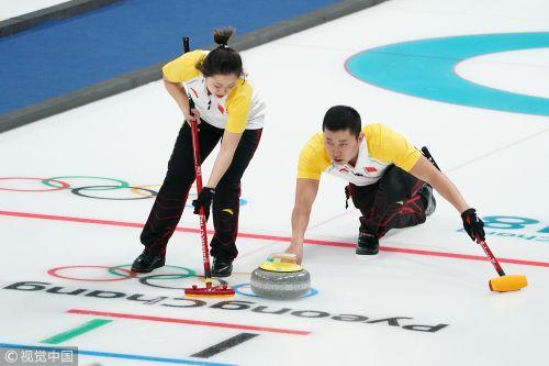 [高清组图]千钧一发 中国冰壶混双胜挪威获三连胜