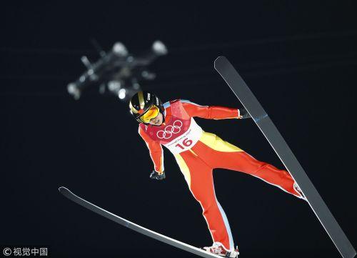 [高清组图]跳台滑雪女子标准台 常馨月排名第20