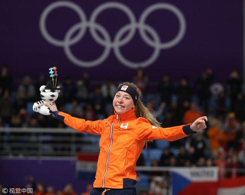 [高清组图]速滑5000米荷兰夺金 萨布里科娃摘银