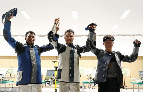 [高清组图]男子10米气步枪-杨皓然破亚运纪录夺冠