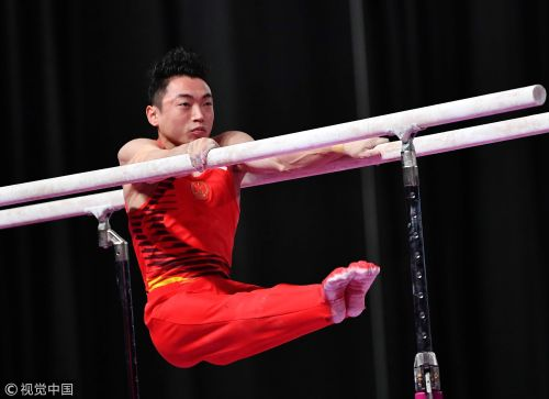 [高清组图]体操男子双杠邹敬园摘金 肖若腾获银牌