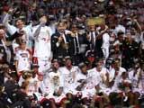 <a href=http://sports.cntv.cn/2014/06/05/VIDE1401970811014376.shtml target=_blank>[NBA最前线]回味热火06年总冠军之路</a>