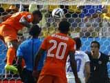 [世界杯]荷兰队斜传禁区 费尔甩头攻门打破僵局