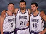 <a href=http://sports.cntv.cn/2014/09/16/VIDE1410870480433343.shtml target=_blank>[NBA最前线]回顾2004年NBA中国赛之国王队</a>
