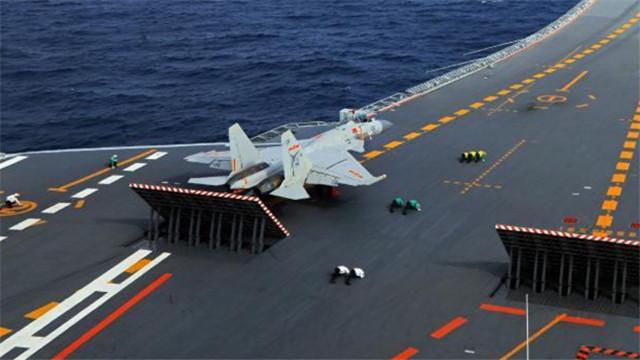 辽宁舰航母编队完成训练试验任务返航