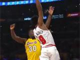 [NBA]布莱克尼飞身暴扣领衔11月22日NBA五佳球