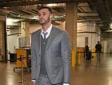 [NBA]皇帝又送礼物了 骑士穿上定制西装