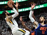 [NBA]卢比奥错位打亚当斯 高位急停跳投命中