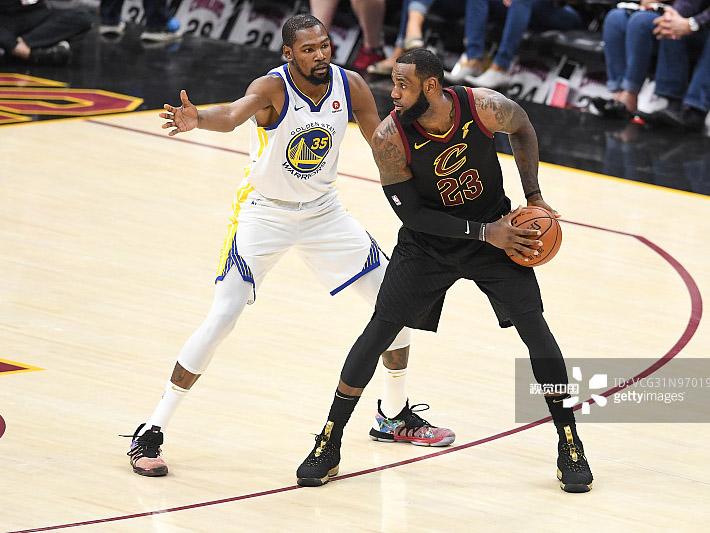 [NBA]勇士客场击败骑士 夺得本赛季总冠军
