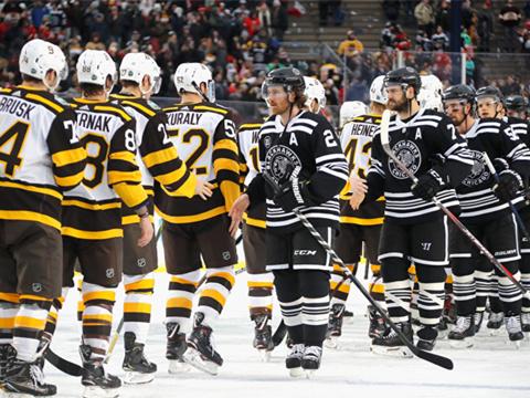 [NHL]常规赛:波士顿棕熊4-2芝加哥黑鹰 比赛集锦