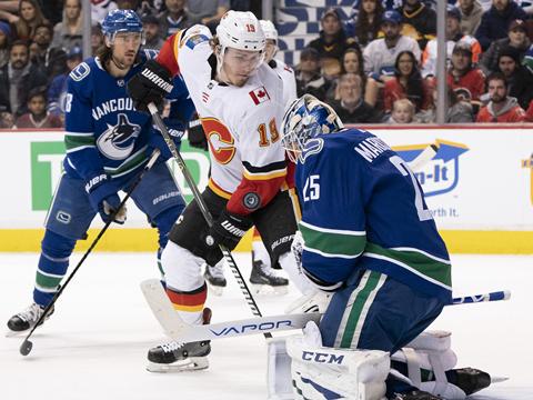 [NHL]常规赛:卡尔加里火焰VS温哥华加人 第一节