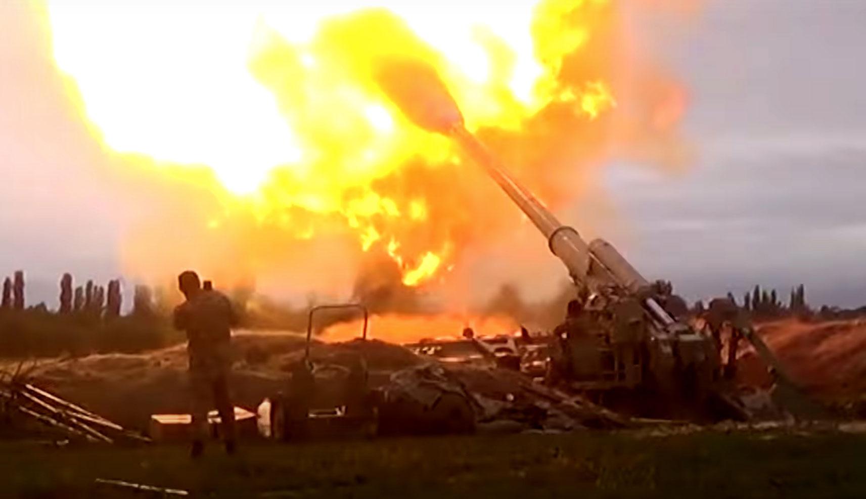 《今日关注》 20201003 火箭炮对轰 两千多人伤亡 纳卡战火升级!