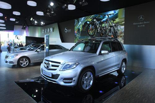 新一代梅赛德斯-奔驰GLK级豪华中型SUV下线后首次公开亮相