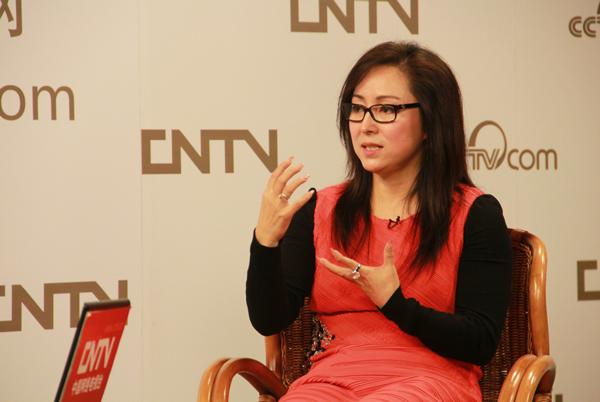 2006年3月,杨凤一获得意大利2006年度佛罗伦萨国际妇女奖,这是该奖项创立15年来头一次颁发给亚洲人。