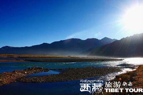 巴松错又名错高湖,是红教的一处著名神湖和圣地