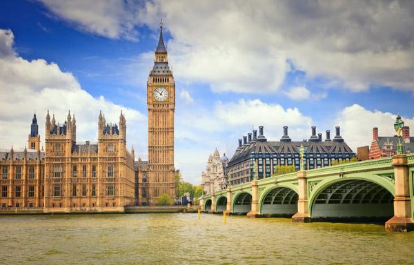 Великобритания упрощает правила въезда в страну для граждан КНР