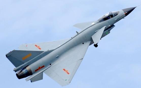 图为中国空军歼10战斗机图片