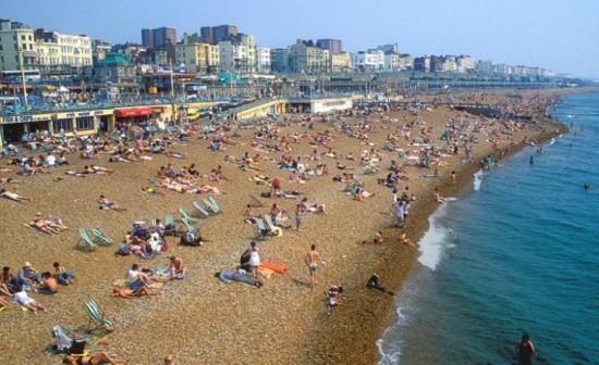著名杂志评出世界十大海滩城市 英国布莱顿凭卵石海滩入选