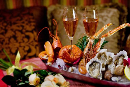 安法餐厅生蚝龙虾海鲜拼盘(新浪配图 图片来源:vogue时尚网)
