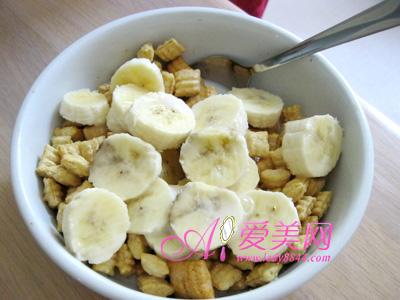 4款香蕉减肥食谱 饱腹感满满 轻松瘦下去