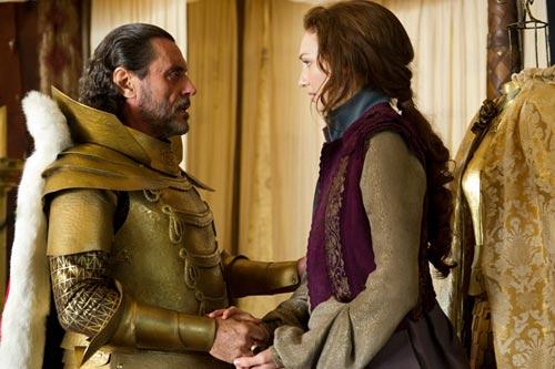 """我是你们的新国王""""泄露了罗德里克的野心,曾出演《可爱的骨头》"""