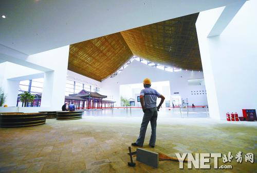 总建筑面积4.9万平方米,包括6大室内展厅和室外园林