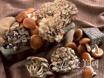 食品安全危机四起 多吃菌菇类食物排毒养颜