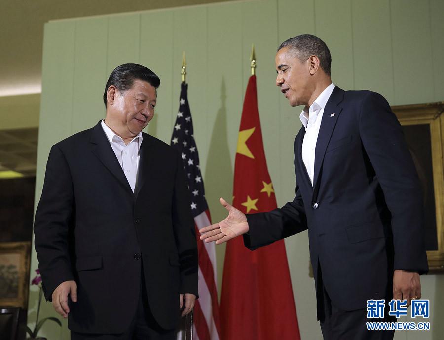 6月7日,中国国家主席习近平在美国加利福尼亚州安纳伯格庄园与美国总统奥巴马举行中美元首第一次会晤。这是会晤后,习近平与奥巴马共同会见记者。记者 兰红光 摄