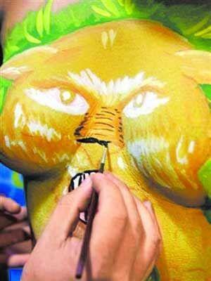人体艺术-亚_巴西里约热内卢市人体彩绘师贝托·阿米迪亚从事的堪称全球最好