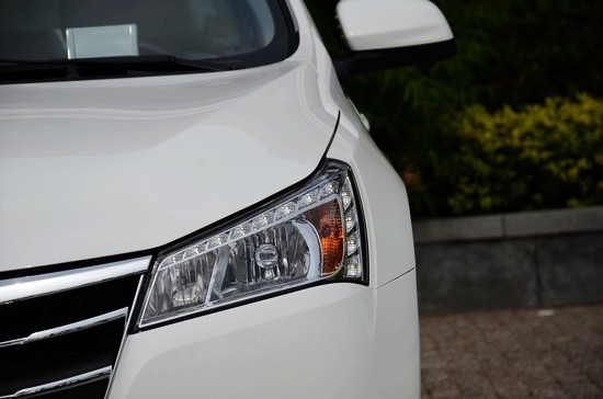 纳智捷5 sedan,漂亮有型是出现在我脑海的第一组词汇.纳智高清图片