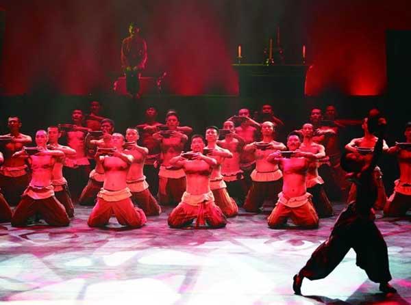 舞台剧 红高粱 受热捧 观众称舞出浪漫情结